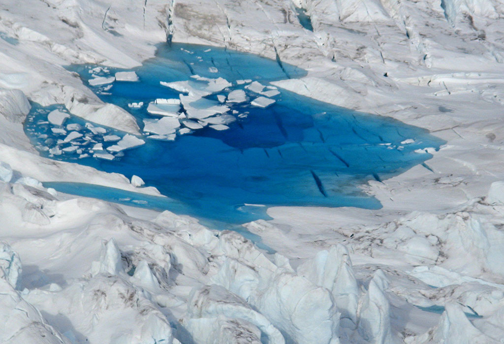 Melting seaice. Photo: Norwegian Polar Institute