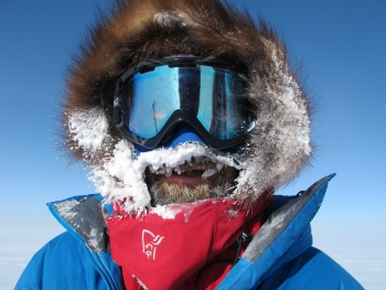 Air temperatur picture, frosen face. Photo: Norwegian Polar Institute