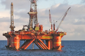 Drilling platform Deepsea Delta in the Barents Sea. Photo: Gazprom